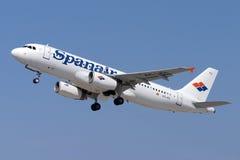 Luqa, Malta - 6 de junho de 2005: Spanair A320 Imagens de Stock