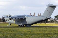 Luqa, Malta - 28 de noviembre de 2015: ROYAL AIR FORCE A400M Imagen de archivo