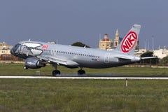 Luqa, Malta 8 de octubre de 2015: Aterrizaje A320 Imagenes de archivo