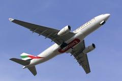 Luqa, Malta - 19 de octubre de 2015: Emiratos A330 Fotografía de archivo libre de regalías