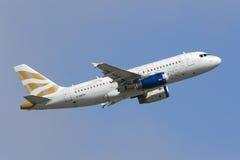 Luqa, Malta - 14 de octubre de 2015: A319 sacan Imagen de archivo libre de regalías