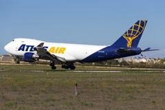 Luqa, Malta - 26 de septiembre de 2015: 747 aterrizando Fotos de archivo libres de regalías