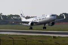Luqa, Malta - 17 de septiembre de 2015: Finnair A321 Imagen de archivo libre de regalías