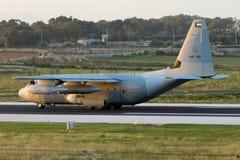 Luqa Malta - 17 December 2015: C-130J i ottaljuset Arkivbilder
