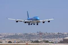 Luqa, Malta - 17 giugno 2008: Jumbo-jet sui finali Fotografie Stock Libere da Diritti