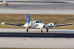 Luqa, Malta 30 giugno 2015: Piper Seneca sulla pista Fotografia Stock