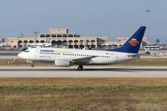 Luqa, Malta 20 giugno 2005: 737 sopra decollano Immagine Stock
