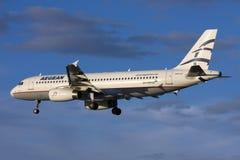 Luqa, Malta 24 Januari 2009: A320 het landen Stock Afbeeldingen