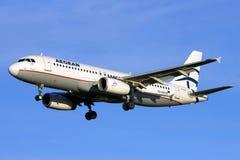 Luqa Malta 24 Januari 2009: Landning A320 Arkivbild