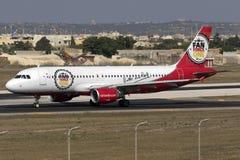 Luqa Malta, 19 Juli 2015: Air Berlin A320 Arkivbilder