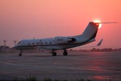 Luqa Malta 21 Juli 2007: Gulfstream dropp N860JB i förkläde 4 Arkivfoto