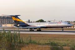 Luqa, Malta - 10. Juli 2008: Tu-154 auf Schlüssen Lizenzfreie Stockfotografie