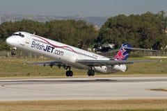 Luqa Malta, 8 Juni 2007: MD-90 tar av Arkivbild
