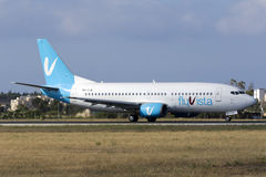 Luqa Malta 19 Juni 2015: 737 som åker taxi för, tar av Royaltyfria Foton