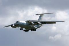 Luqa Malta, 7 mars 2008: Landning Il-76 Arkivbild