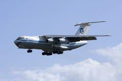 Luqa Malta, 7 mars 2008: Landning Il-76 Royaltyfri Fotografi
