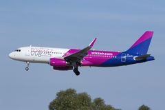 Luqa, Malta - 11 November 2015: A320 landing. Wizz Air Airbus A320-232 in the new livery landing runway 31 Stock Photos