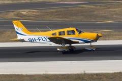 Luqa, Malta, o 19 de julho de 2015: Guerreiro do gaiteiro PA-28-161 II Fotografia de Stock