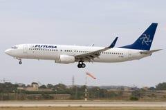 Luqa, Malta, o 2 de junho de 2007: 737-800 aterrando Imagem de Stock
