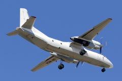 Luqa Malta, o 29 de junho de 2015: Pista de decolagem 31 dos finais de Antonov 26 Fotografia de Stock Royalty Free