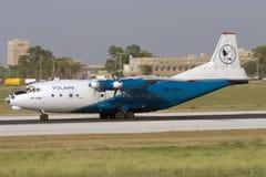 Luqa, Malta, o 27 de junho de 2007: Taxiing An-12 Fotos de Stock Royalty Free