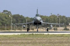 Luqa Malta - 20 Oktober 2015: RAF Typhoon Royaltyfri Fotografi