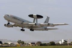 Luqa, Malta, 1 2012 Październik: AWACS zdejmował Zdjęcia Stock