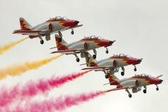 LUQA MALTA 27 September 2014: Aerobatic lag för spanskt flygvapen på Malta internationella Airshow 2014 Arkivbild