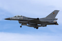 Luqa Malta - 25 September 2015: Belgare F-16AM Royaltyfri Bild