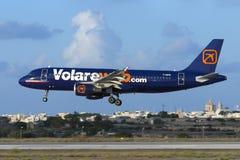 Luqa, Malta 21 2005 Wrzesień: Volareweb A320 Zdjęcia Stock