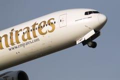 Luqa, Malte - 19 Jaruary 2014 : 777 décolle Image stock