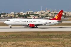 Luqa, Malte le 21 juin 2005 : 737 décollent dessus image libre de droits