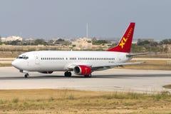 Luqa, Malte le 21 juin 2005 : 737 décollent dessus images libres de droits