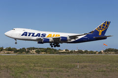 Luqa, Malte - 26 septembre 2015 : 747 débarquant Image stock
