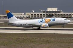Luqa, Malte - 24 septembre 2008 : 737 décolle Photos stock