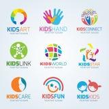 Lurar fastställd design för barnlogovektor stock illustrationer