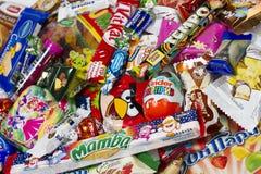 lurar sötsaker Arkivfoton