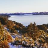 Lurefjorden в зиме стоковое фото