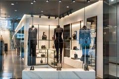 Lusso del negozio di Alexander Wang ed esposizione alla moda della finestra di marca Immagini Stock