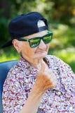 Lustige alte Dame lizenzfreie stockfotografie