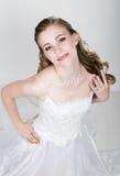 Lustige Aufstellung der schönen Braut, verschiedene Gefühle ausdrückend Schöne Braut mit Art und Weisehochzeitsfrisur Lustige Bra Stockfoto