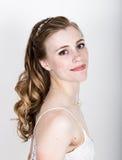 Lustige Aufstellung der schönen Braut, verschiedene Gefühle ausdrückend Schöne Braut mit Art und Weisehochzeitsfrisur Lustige Bra Lizenzfreie Stockfotografie
