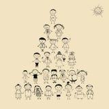 Lustige Pyramide mit dem glücklichen großen Familienlächeln Lizenzfreies Stockbild