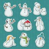 Lustige Schneemannillustrationsaufkleber für Weihnachts- und Dezember-Ferienzeit Lizenzfreie Stockfotos