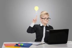 Lustiger intelligenter Junge Lizenzfreies Stockfoto