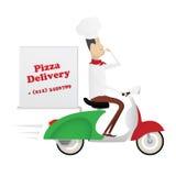 Lustiger italienischer Chef, der Pizza auf einem Moped liefert Lizenzfreie Stockfotos