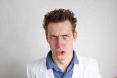 Lustiger junger Doktor Lizenzfreie Stockfotos