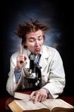 Lustiger junger Wissenschaftler Stockbilder