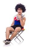 Lustiger Kerl mit dumbbels Stockbilder