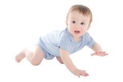 Lustiges Babykleinkindkriechen lokalisiert auf Weiß Lizenzfreie Stockfotos